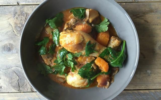 Rode curry met pompoen en spinazie