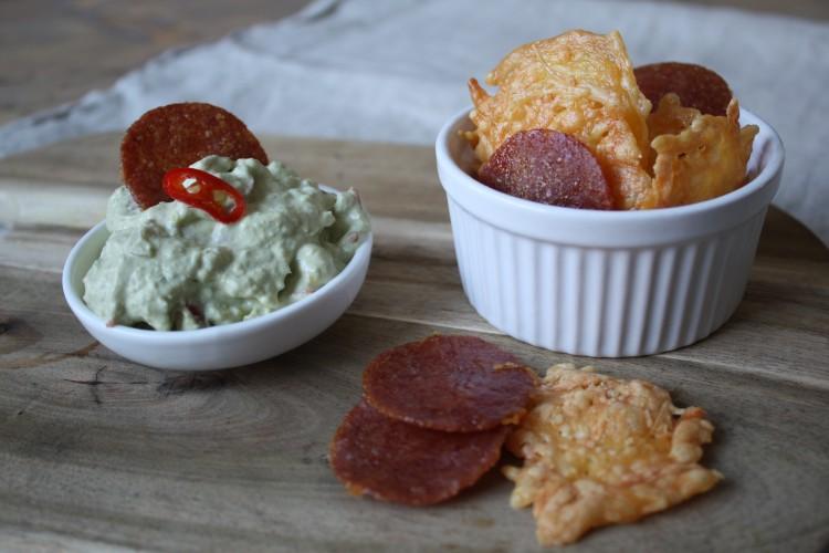Crispy chips met guacamole dip!