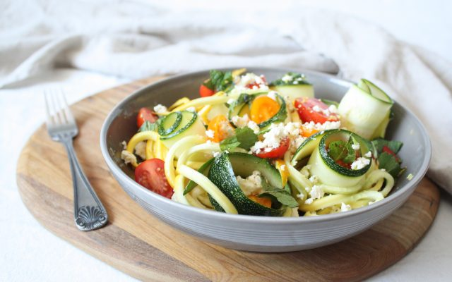 Wednesday Challenge: Frisse koele zomerse Courgetti salade
