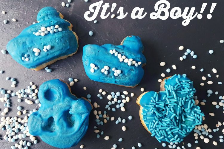 Baby announcement cakejes!