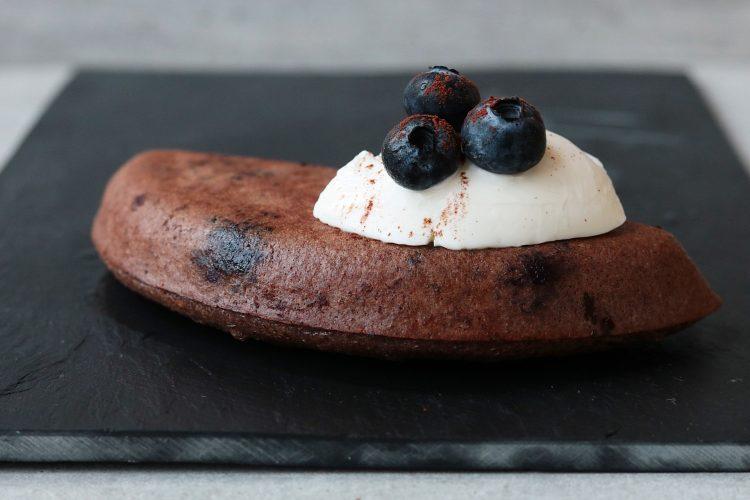 Chocolade bessen cake uit de omeletmaker!
