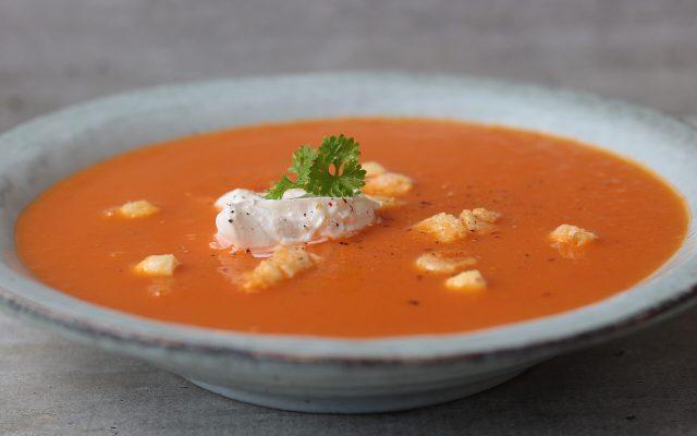 Tomatensoepsoep met cheesepops croutons!